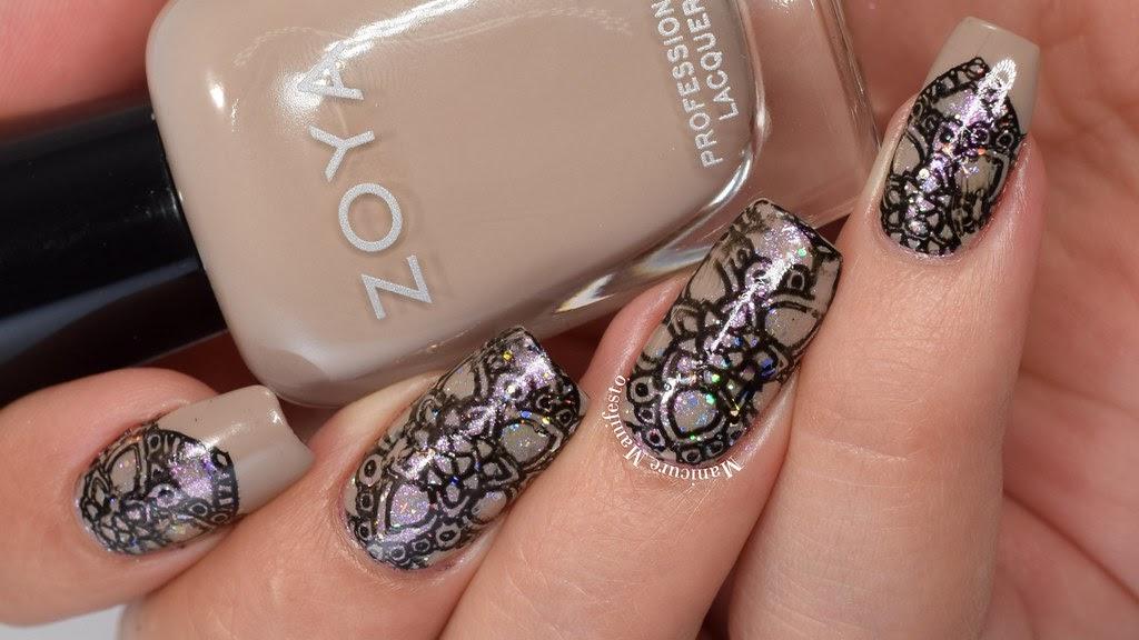 Black Flowers on Nude nail art by Giovanna - GioNails