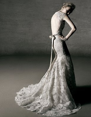 wedding palm springs wedding dress The delicate lace the open back oh