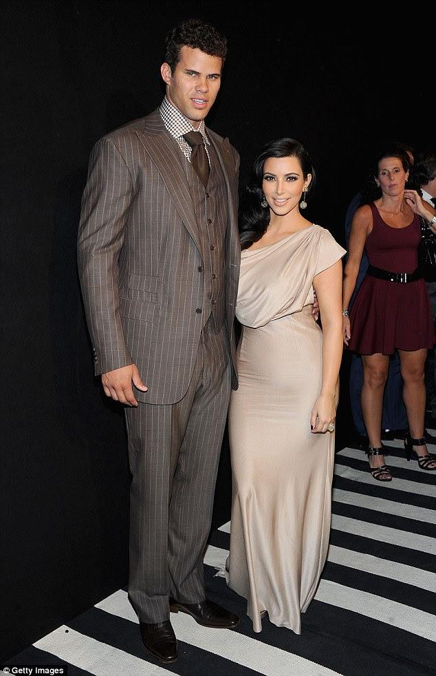 O último marido: Ela wed jogador da NBA Kris Humphries em 2011 depois de um curto noivado.  Sua união durou apenas 72 dias.  Retratado agosto 2011