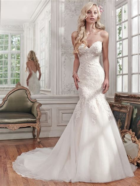 Elegant Sweetheart Neckline Mermaid Wedding Dresses With