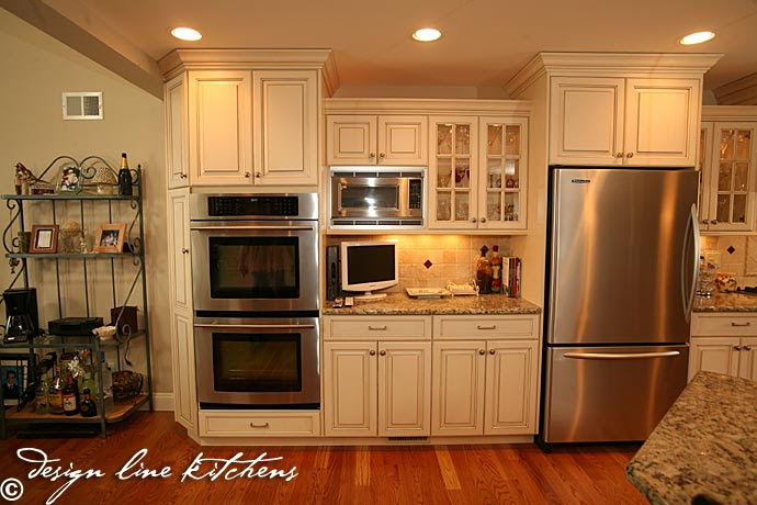 Traditionl Staggered Height Cabinets Brick Nj By Design Line Kitchens
