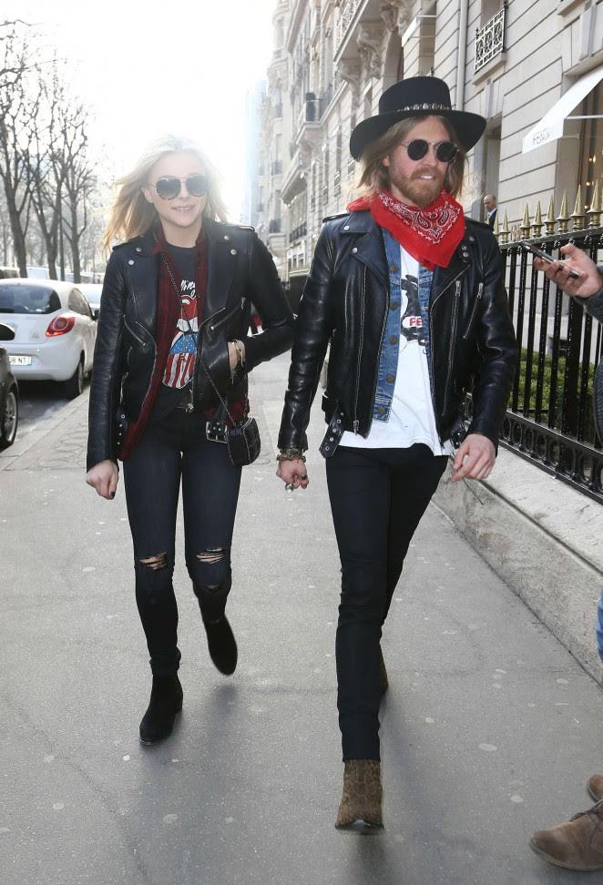 Chloe Moretz: Shopping Yves Saint Laurent -01