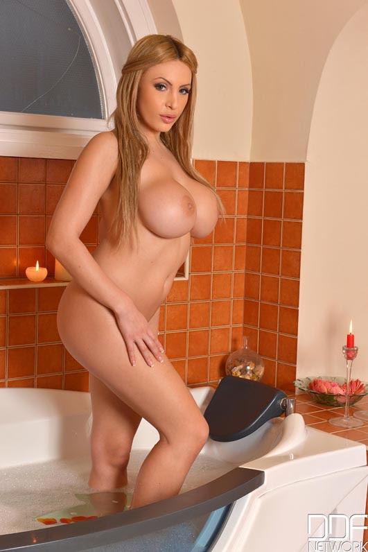 Blonde Big Natural Tits Bbc