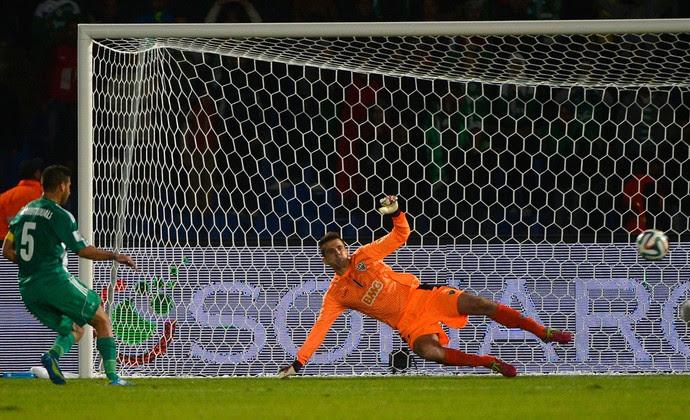 Mohsine Moutaouali gol penalti, Atlético-MG x Raja Casablanca (Foto: AFP)