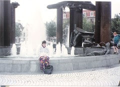 T Zand fountain bruges july 1991