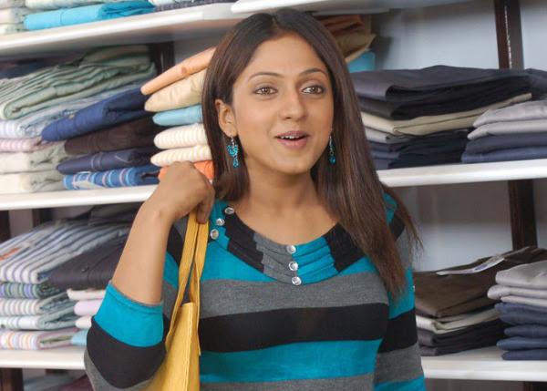 sheela actress hot navel bikini pics wallpapers 25 Sheela Hot Photos
