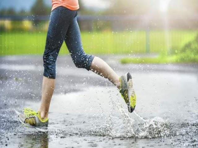 पावसाळ्यात घरच्या घरी करा व्यायाम | Exercise at the home in the rainy season