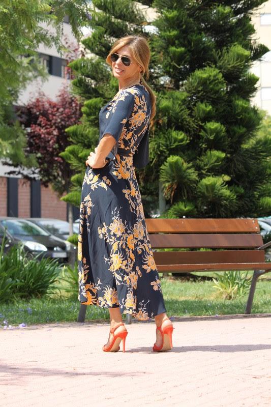 http://cincuentayque.es/vintage-dress/