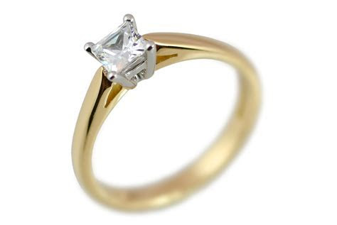Engagement Rings   Princess Cut Diamond Solitaire