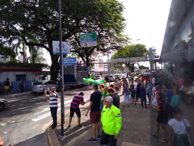 Natal registra protestos no Midway e na Ponte de Igapó