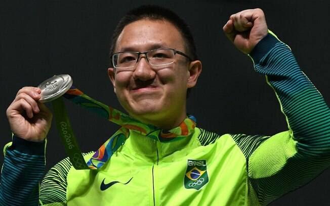 Felipe Wu é o dono da primeira medalha do Brasil nas Olimpíadas: prata no Tiro Esportivo