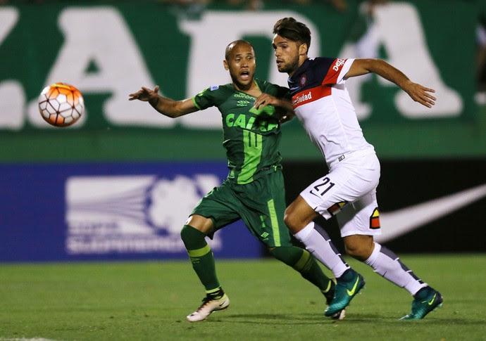Chapecoense x San Lorenzo (Foto: REUTERS/Paulo Whitaker)
