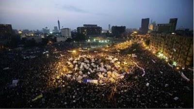 Egito: multidões de volta à Praça Tahrir