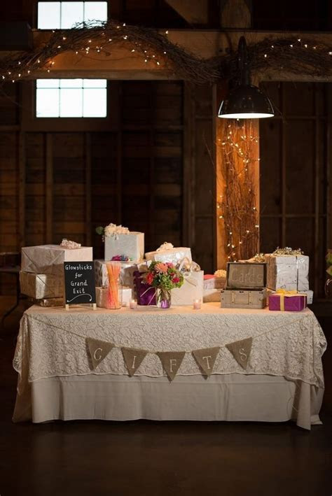 best 25  wedding gift tables ideas on pinterest   wedding