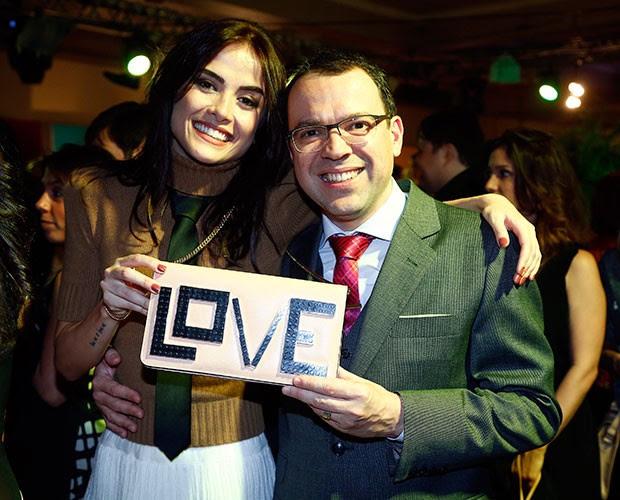Maria Casadevall e Mario Teixeira cheio de amores pela nova novela (Foto: Raphael Dias/Gshow)