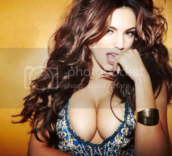 Hot Kelly Brook! photo BYLo1tgIIAAVgBV_zpsecd27f1c.jpg