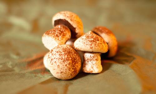 1_Meringue_ mushrooms