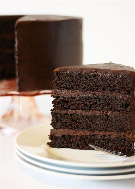 The 25  best Chocolate mud cake ideas on Pinterest   White