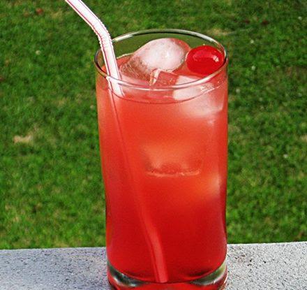 Rum Rooster (.5 oz. Malibu Coconut Rum .5 oz. Strawberry Rum .5 oz. Pineapple Rum .5 oz Bacardi 151 Rum 2 oz. Orange Juice 2 oz. Cranberry Juice 2 oz. Lemonade .5 oz Grenadine) @jordynnnreneee it's a rooster drink!!