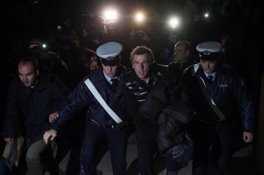 `Κινητό έγκλημα` το τζιπ του πρώην υπουργού Μιχάλη Λιάπη - Πρόστιμα και για τα φιμέ τζάμια και τον κοτσαδόρο - Δηλώνει συνταξιούχος