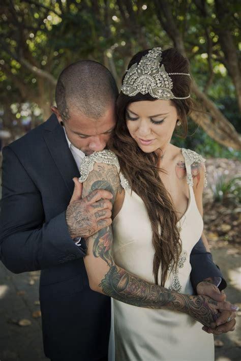 Intimate and Glamorous Vintage Wedding in Cairns · Rock n
