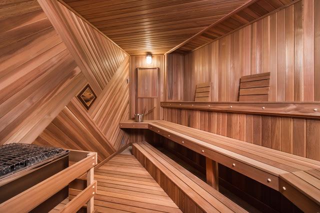hollywood sauna view from door