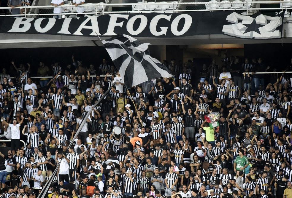 Torcida do Botafogo promete casa cheia contra o Barcelona de Guayaquil (Foto: André Durão)