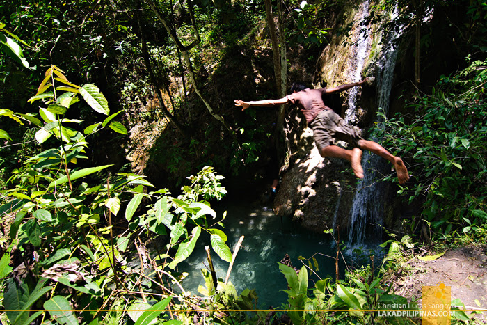 Cliff Jumping at Iligan City's Pampam Falls