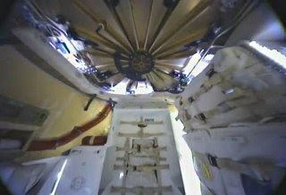 Inside view of Dragon, SpaceX, via zenfolio.com, used w/o permission