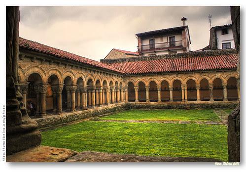 Claustro românico da Colegiada de Santa Juliana by VRfoto