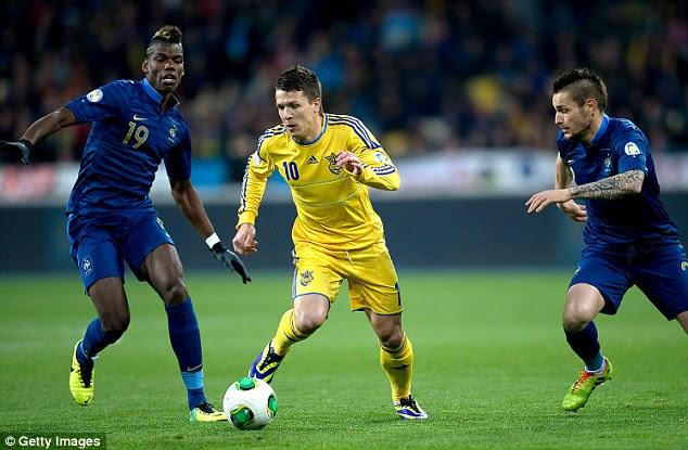 Kop target: Ukraine international Yevhen Konoplyanka (centre) is wanted by Liverpool