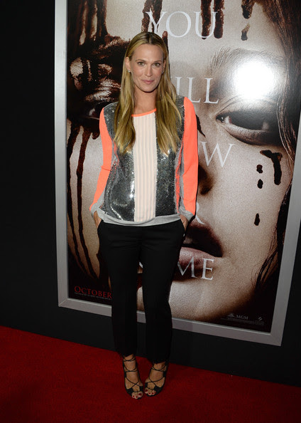 Molly Sims Model/actress Molly Sims arrives at the premiere of Metro-Goldwyn-Mayer Pictures & Screen Gems' 'Carrie' at ArcLight Cinemas on October 7, 2013 in Hollywood, California.