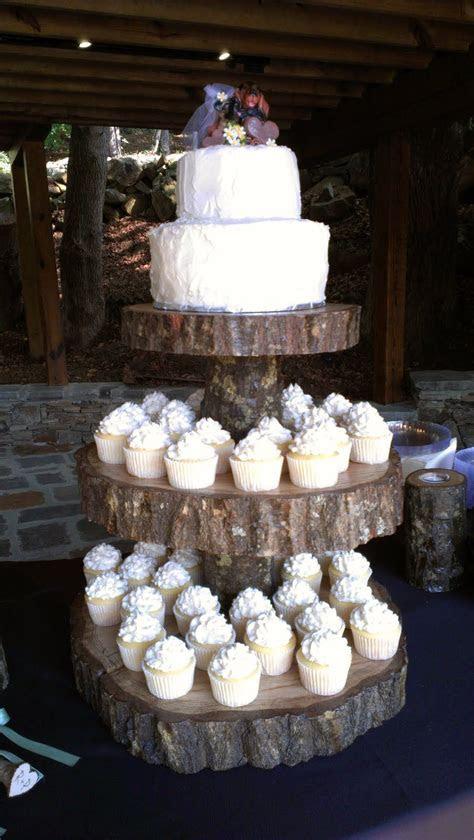 rustic wedding cakes   Rustic Wedding Cake & Cupcakes