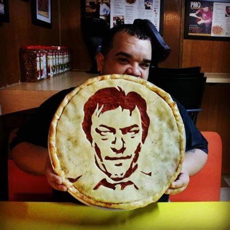 10 Horrific Pizza Portraits   Riot Daily