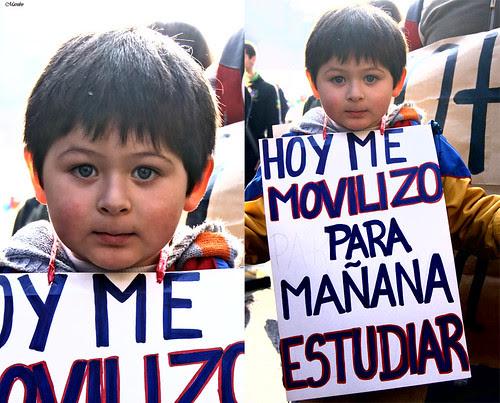 """""""Hoy me movilizo para mañana estudiar"""" by Alejandro Bonilla"""