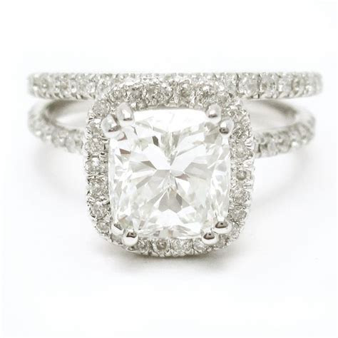 I'm SO obsessed!!!!!!   Cushion Cut Diamond Engagement