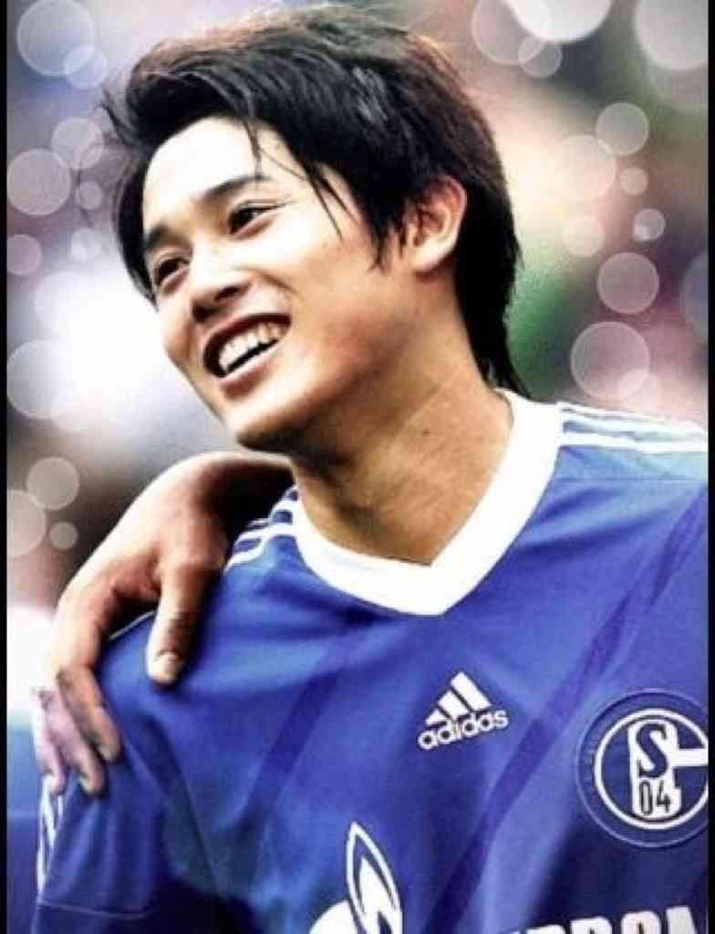 イケメンサッカー選手 内田篤人のかっこいい高画質画像を 写真