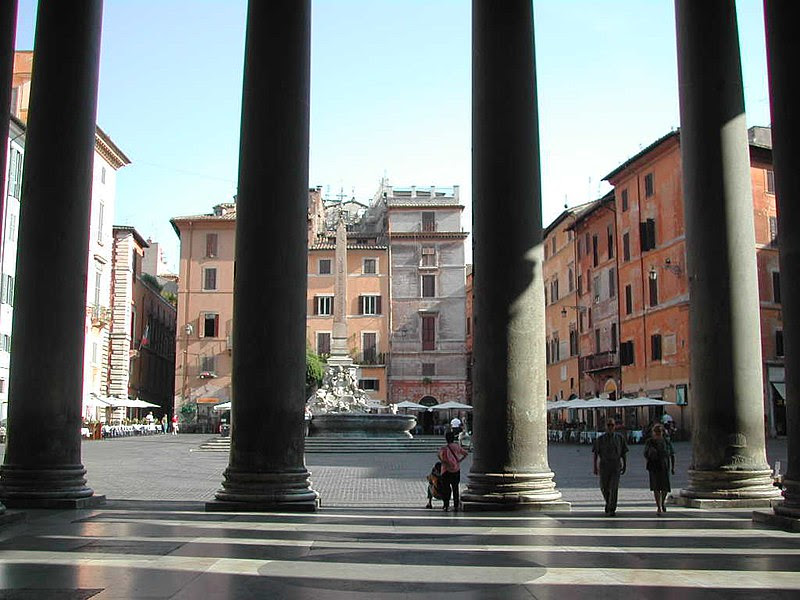 File:Pigna - Piazza della Rotonda dal Pantheon 1018.JPG