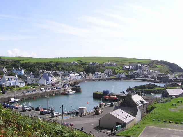 File:Portpatrick Harbour - geograph.org.uk - 1012939.jpg