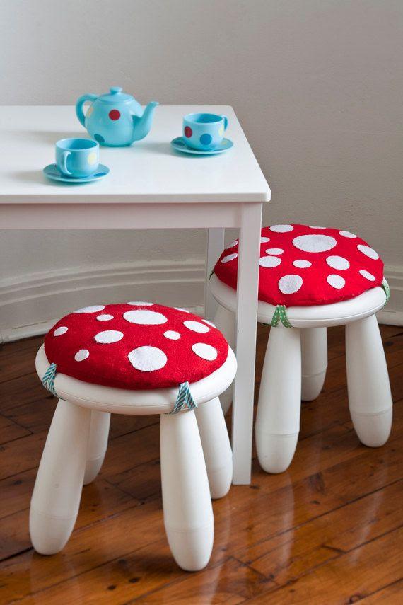 Mushroom cushions Leuk