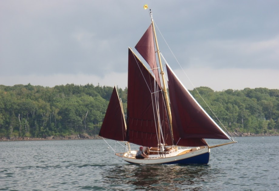 PR Boat: Small gaff rigged sailboat plans