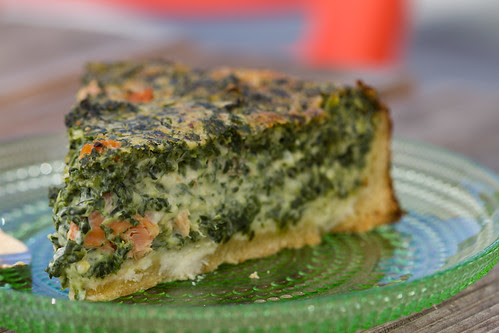 Spinati-suitsulõhepirukas / Spinach and smoked salmon quiche