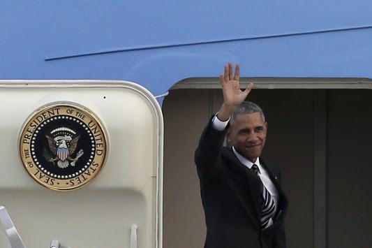 Ομπάμα στην Αθήνα Live - Αναφώνησε `ζήτω η Ελλάς` και έφυγε - Με ένα χτύπημα στον ώμο αποχαιρέτισε τον Αλέξη Τσίπρα