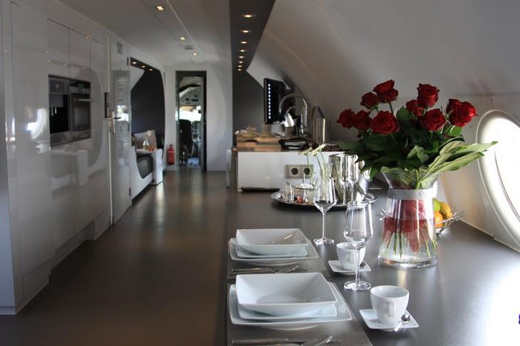 Airplane Suite breakfast