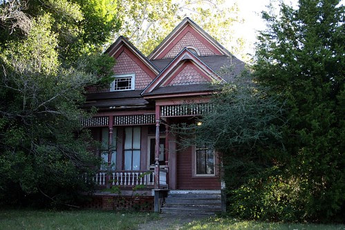 residence at 306 south fannin avenue