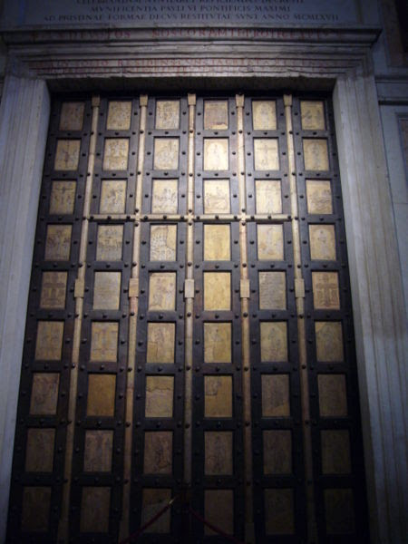 File:Q10 s Paolo porta bizantina 1000781.JPG