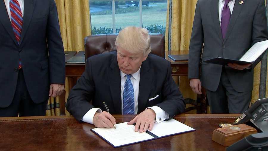 Risultati immagini per TPP TRUMP