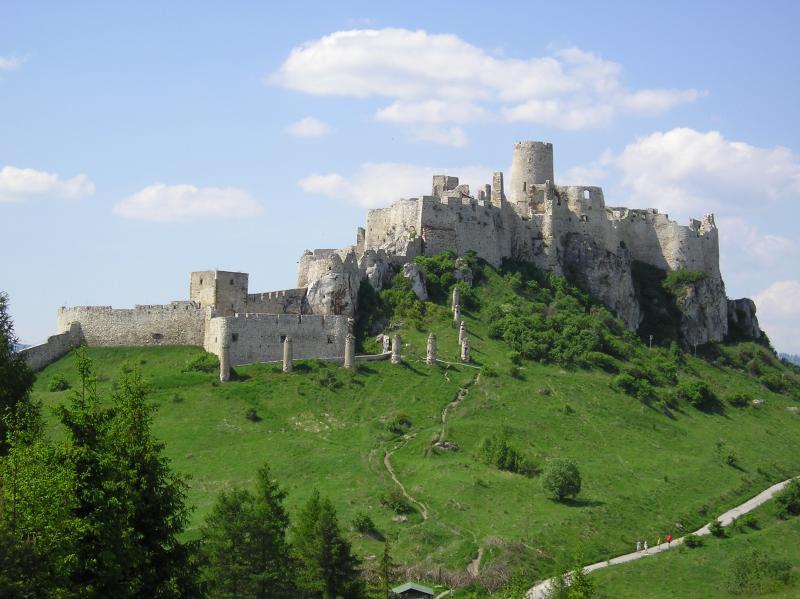 Archivo:Spisska nova ves...castle.jpg
