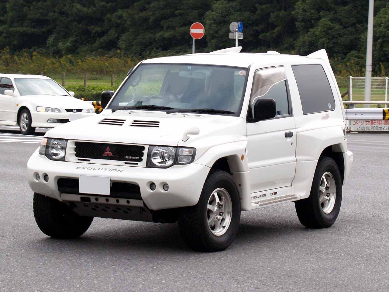Mitsubishi Pajero Pinin — Wikipédia