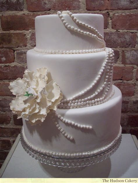 Images of traditional wedding cakes   idea in 2017   Bella